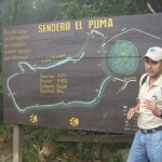 A guide explaning the Sendero el Puma (more difficult) hike