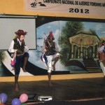 dancers perform El Gueguense