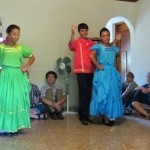 2-couples-dancing-Nica-folklore