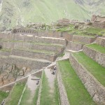 The Inca's soldiers hurled stones at the Spanish cavalry and flooded the valley below