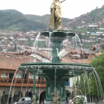 The fountain inside the Plaza de Armas