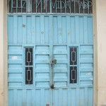 The front door of Luz y Vida (Light and Life) Church and Comedor