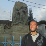 In front of a statue commemorating the heroes of Tarma