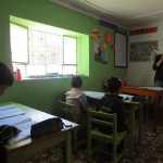 Hannah teaching English in the second grade classroom