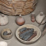 A closer look at the type of items found in a Wari tomb at Huaca Pucllana.