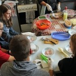 Students try their hand at making ceviche.