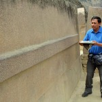 Oswaldo explains how the Incas moved and carved these huge stones.