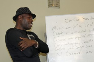 Camilo Ballumbrosio led a workshop for Goshen College students.