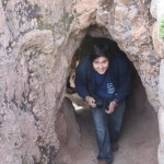 Derek finds his way into Sacsayhuaman through an underground tunnel.