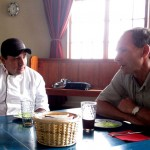 Chef Glicerio talks with Duane during lunch (almuerzo).